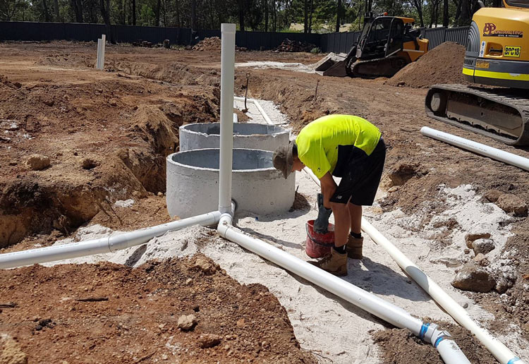 Plumbing septic tank to leach drains in Chidlow